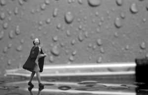 Raindrops-JD-Hancock-Flickr-CC-300-bw-with-colour-woman